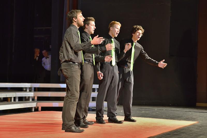 NoTimers a Daniel Ševečka na pódiu v roce 2015